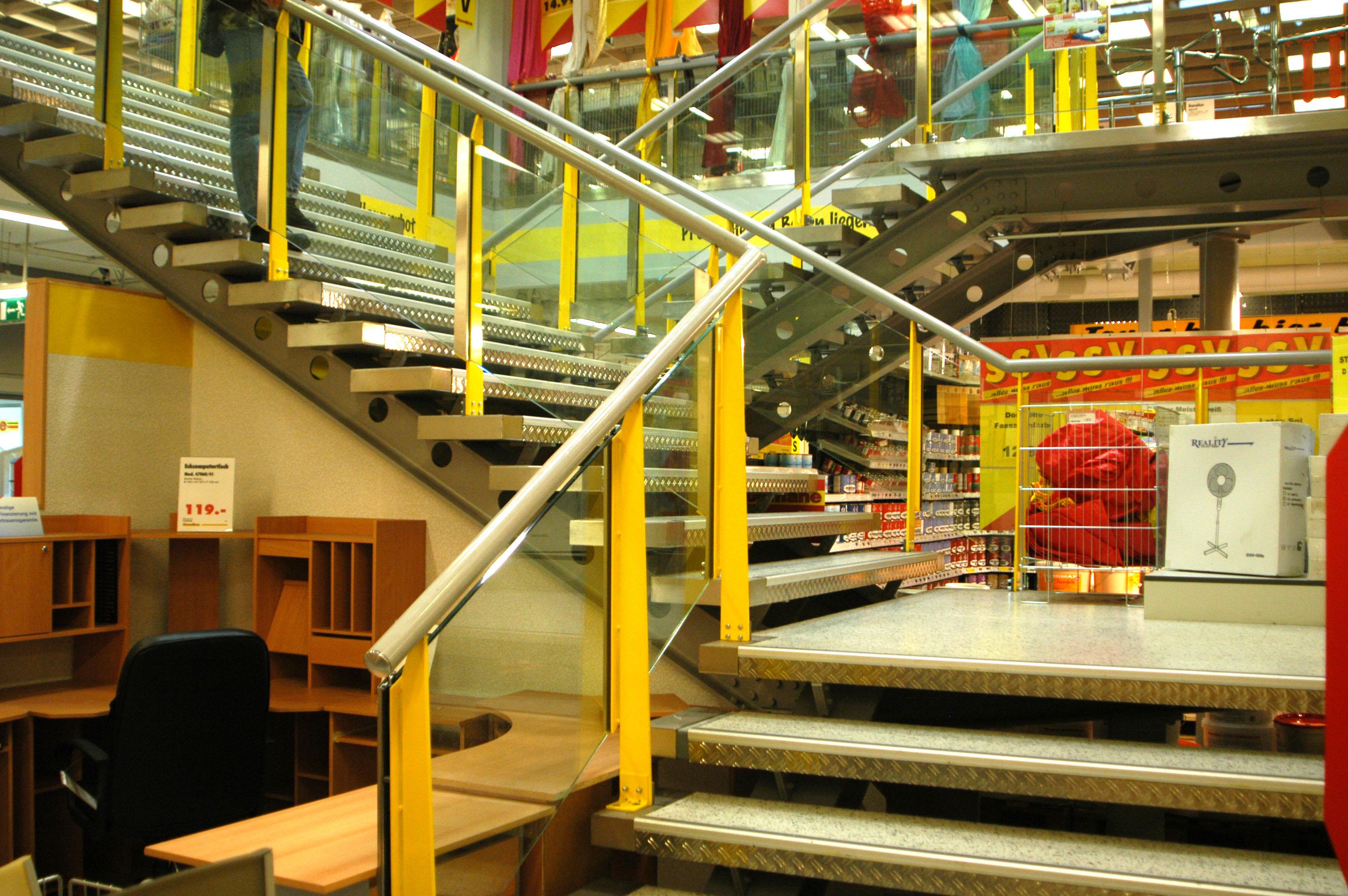 Möbelix Treppenanlage